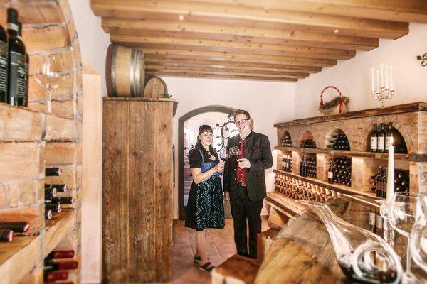 Cantina dei vini dell´hotel alpino solo per adulti a Seefeld